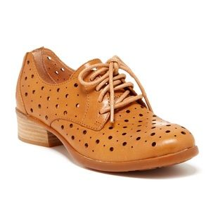 Born Dallyce Leather Oxfords NWOB